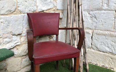 Chaise/petit fauteuil en Sky rouge.