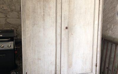 grande armoire d' atelier.